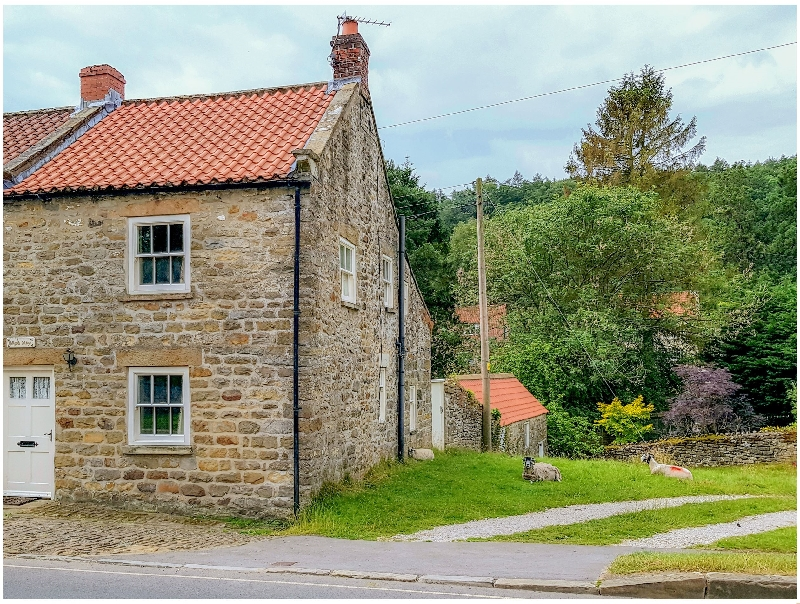 Hollyside Cottage a british holiday cottage for 4 in ,