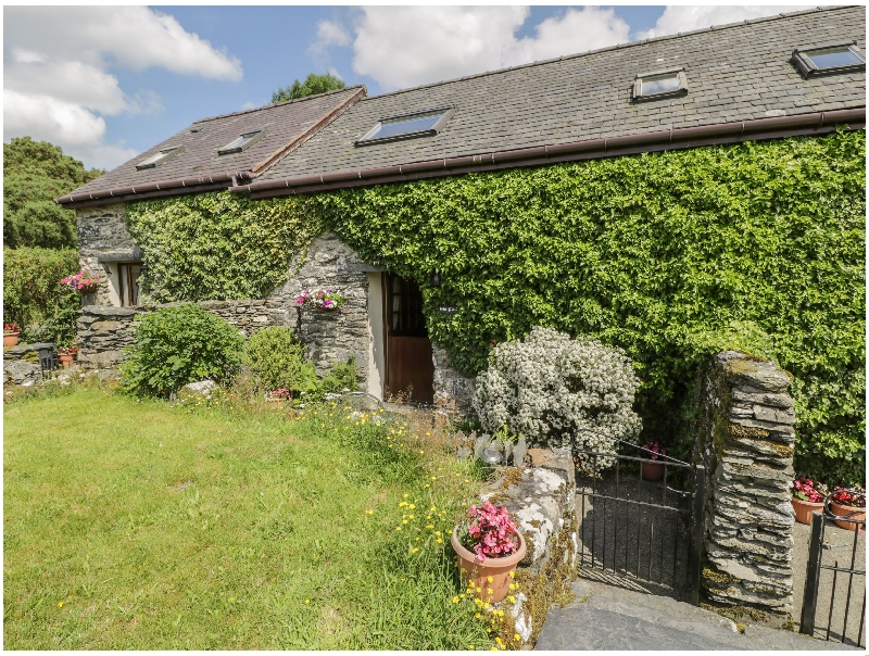 Meifod- Penrhyddion Pella a british holiday cottage for 3 in ,