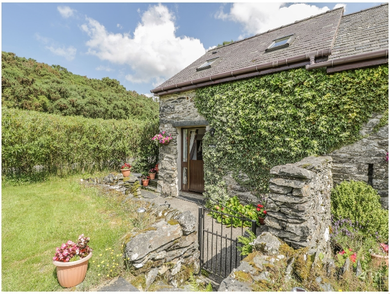 Bwthyn- Penrhyddion Pella a british holiday cottage for 2 in ,