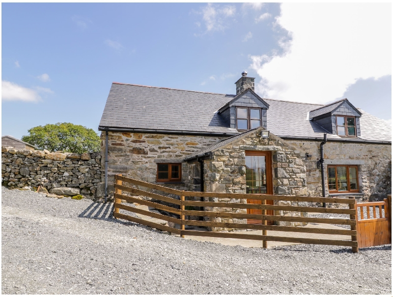 Yr Hen Stabal a british holiday cottage for 3 in ,