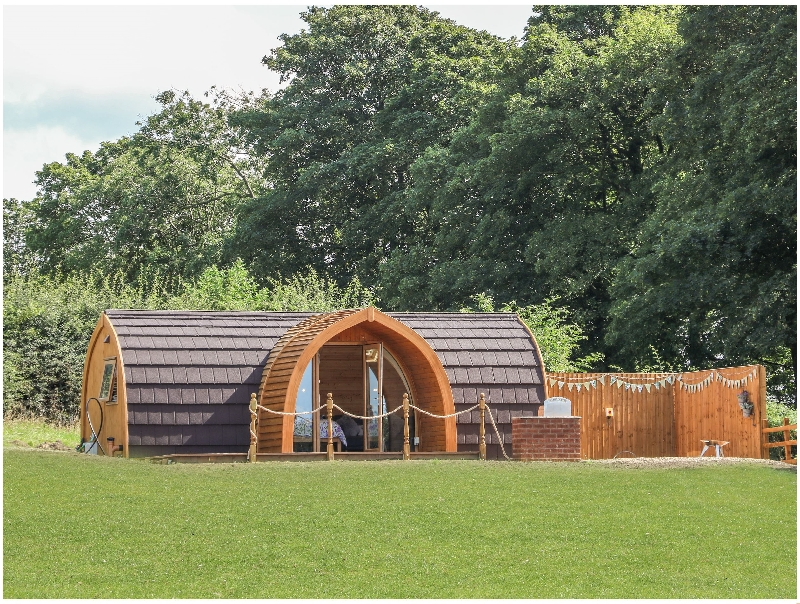 Dandelion @ Hedgerow Luxury Glamping a british holiday cottage for 2 in ,