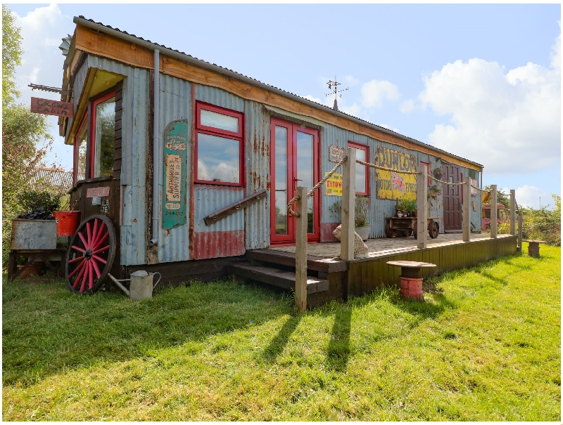 Crows Cabin a british holiday cottage for 2 in ,