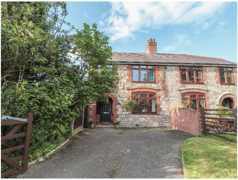 Bryn Derwen a british holiday cottage for 5 in ,