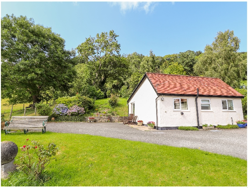 Gwern Tyno a british holiday cottage for 4 in ,