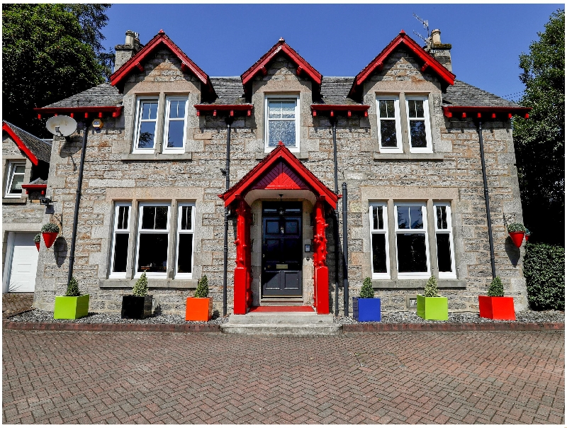Roseburn a british holiday cottage for 14 in ,