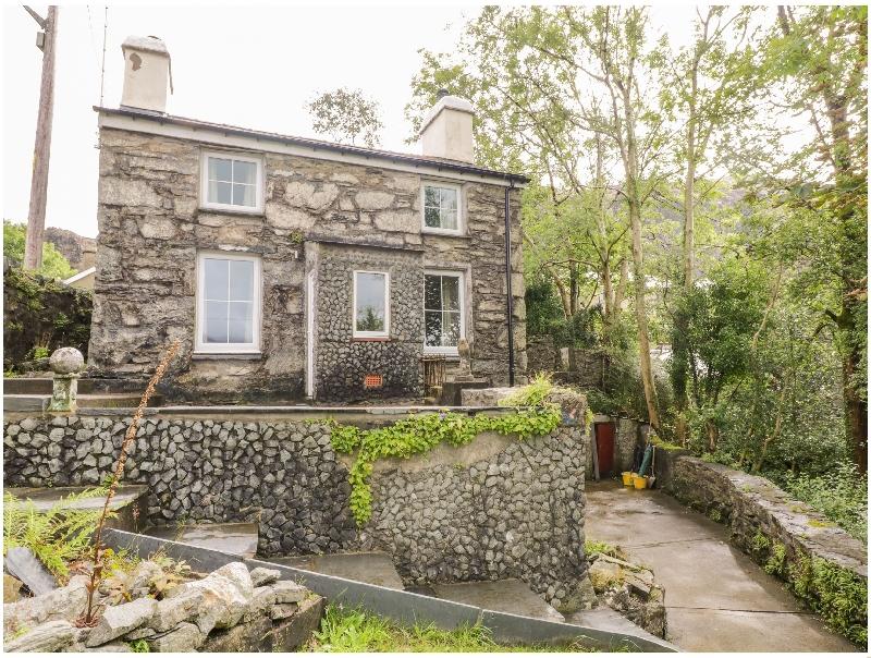 Brondderwen a british holiday cottage for 3 in ,