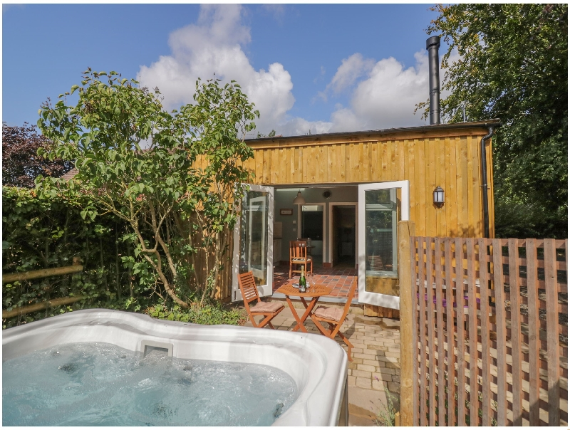 Hen House View a british holiday cottage for 2 in ,