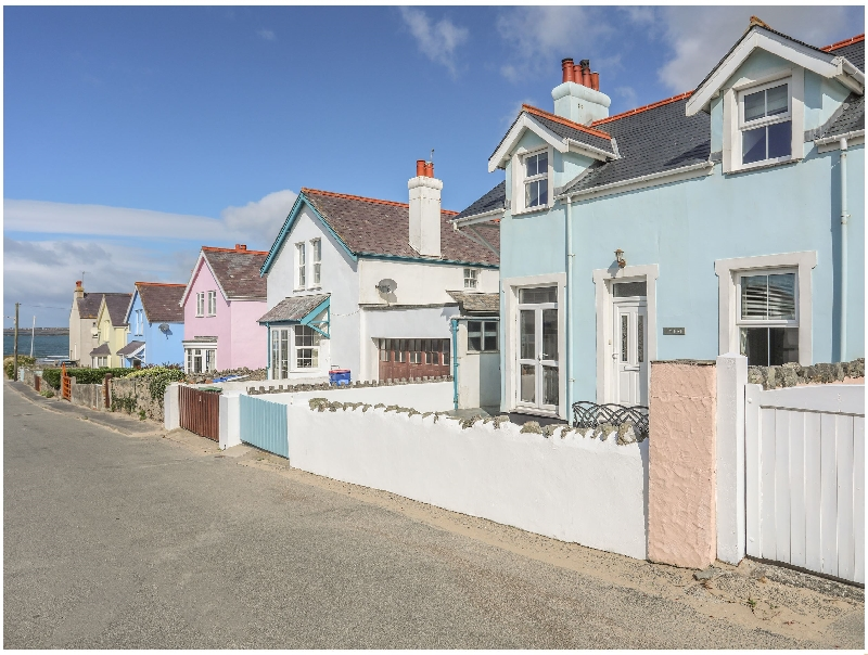 Ty Haf a british holiday cottage for 8 in ,