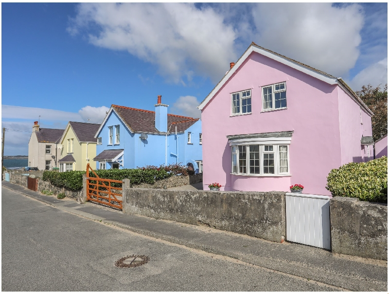 The Pink House a british holiday cottage for 7 in ,