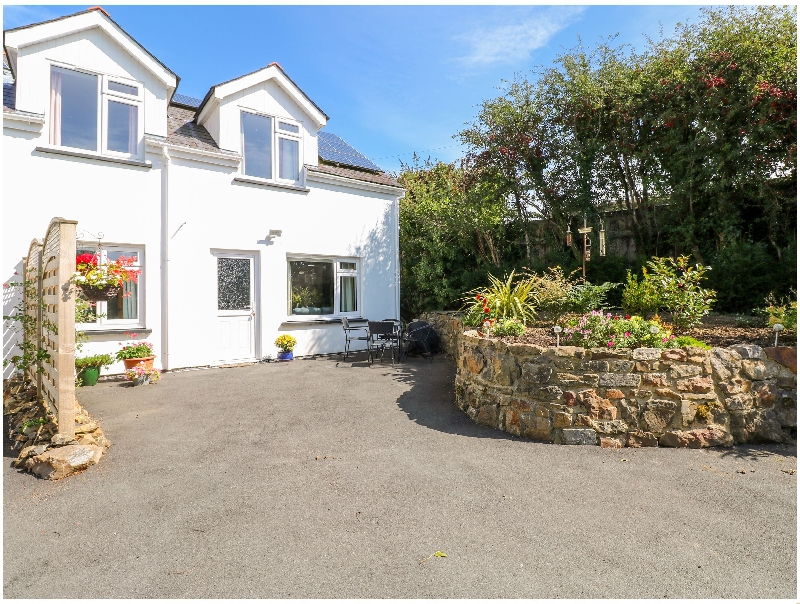 Little Freestone a british holiday cottage for 6 in ,