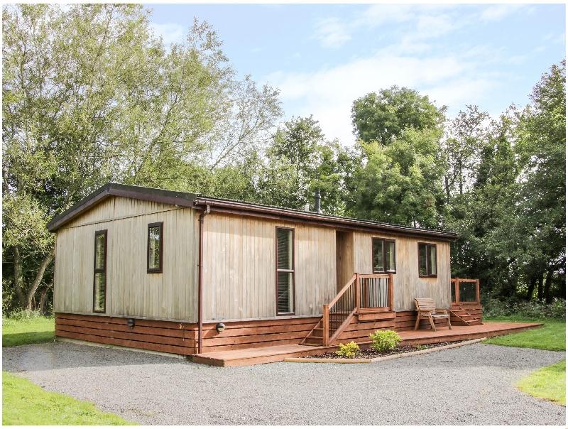 Alder River Lodge a british holiday cottage for 4 in ,