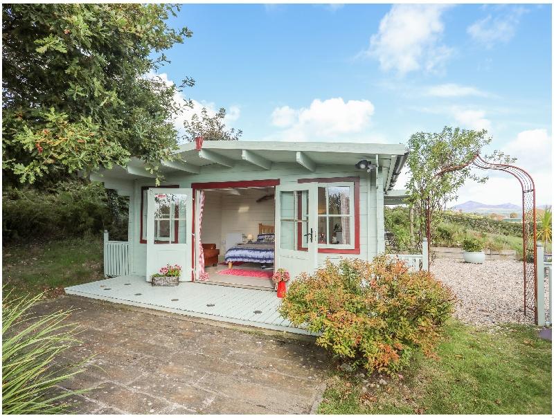 Yr Wyddfa a Defaid a british holiday cottage for 2 in ,