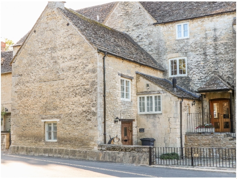 The Snug at Arlington Mill a british holiday cottage for 2 in ,