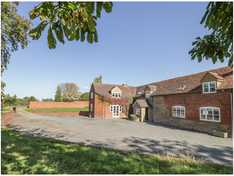 The Chestnuts a british holiday cottage for 13 in ,