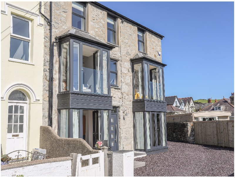 Cambrian House a british holiday cottage for 12 in ,
