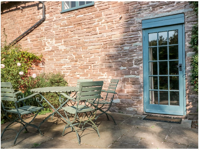 Yew Tree Cottage a british holiday cottage for 4 in ,