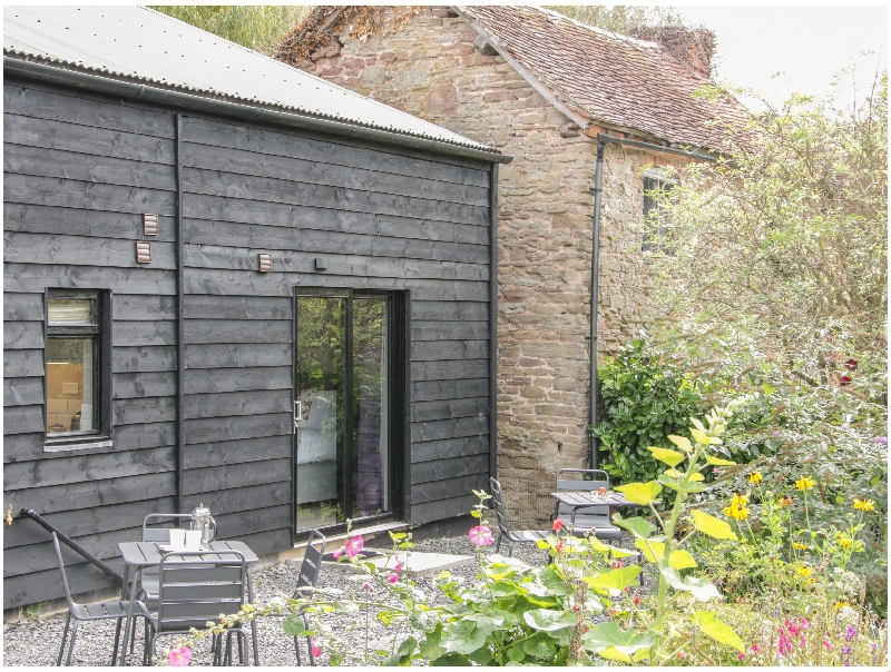 The Pig Shed- Sty 1 a british holiday cottage for 2 in ,