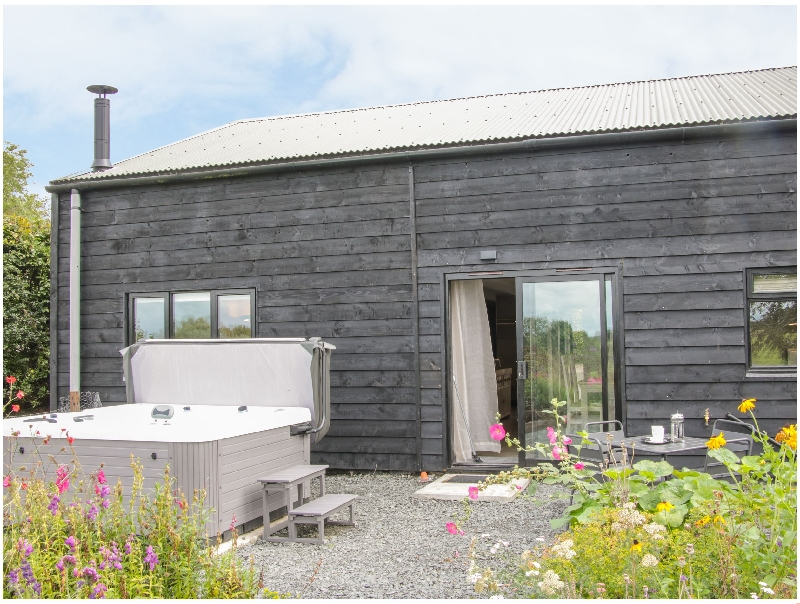 The Pig Shed  -Sty 2 a british holiday cottage for 4 in ,
