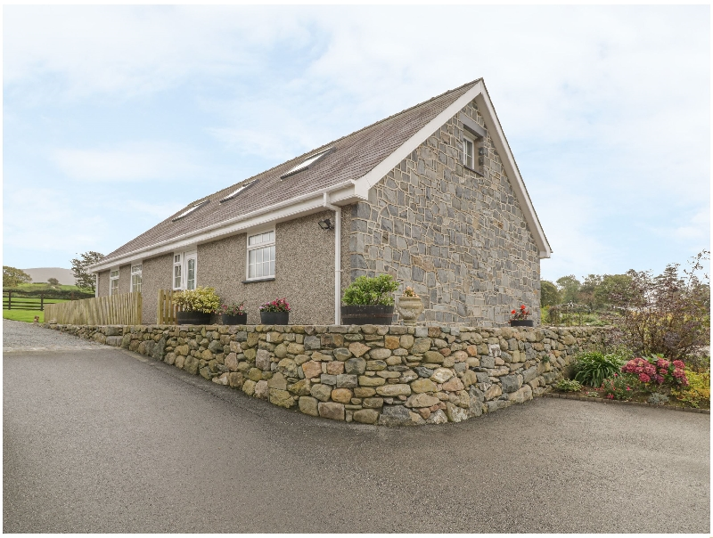 Ty Ni a british holiday cottage for 7 in ,