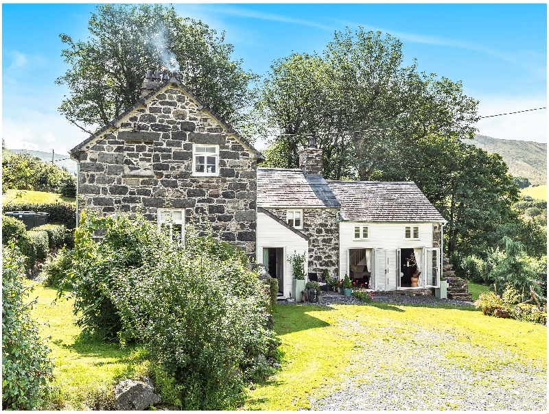 Rhyd Y Bod a british holiday cottage for 11 in ,