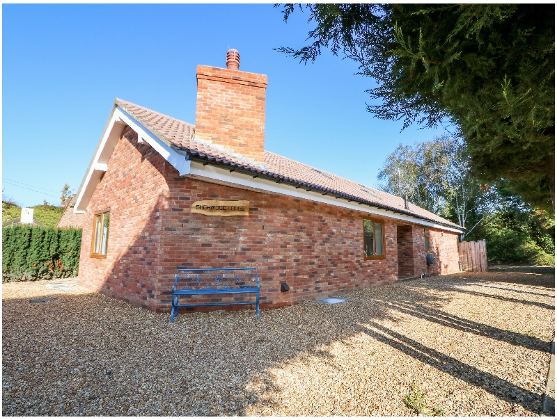 Sherwood Lodge a british holiday cottage for 4 in ,