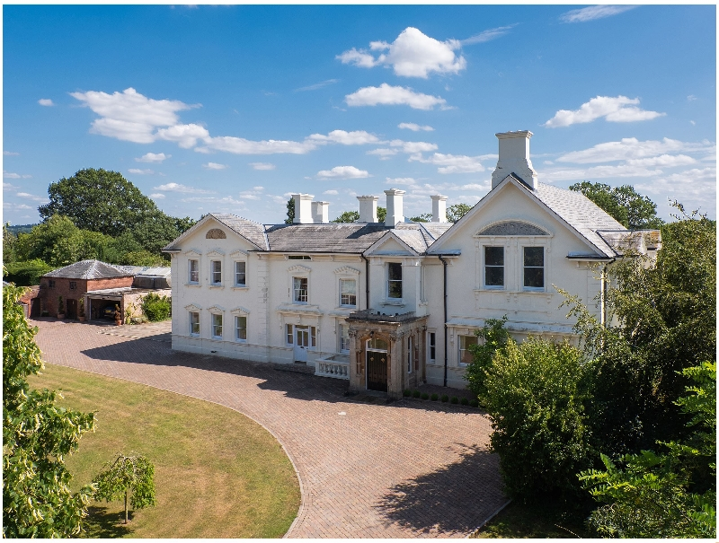 Oakhampton House a british holiday cottage for 26 in ,