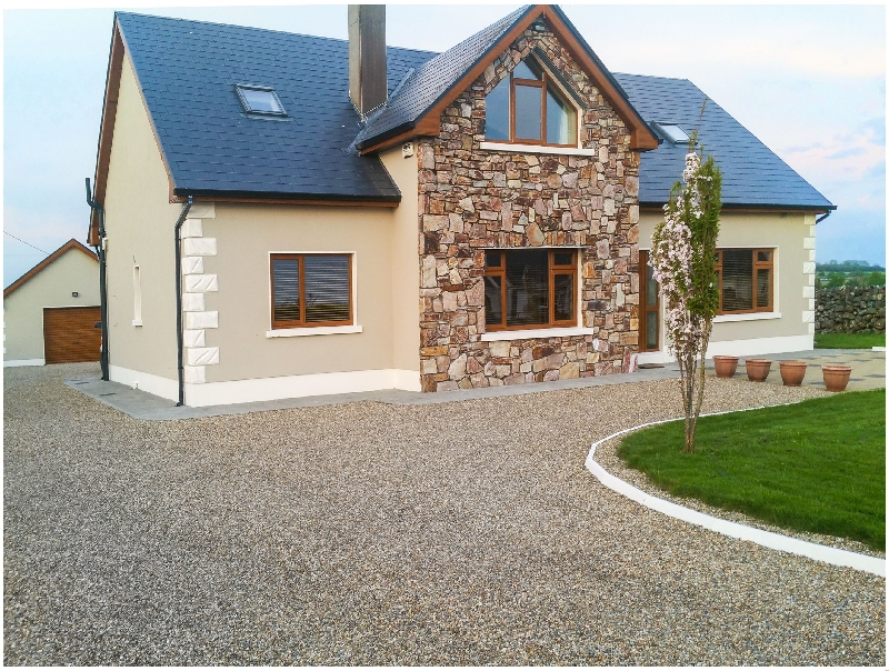 A Country View Cottage a british holiday cottage for 12 in ,