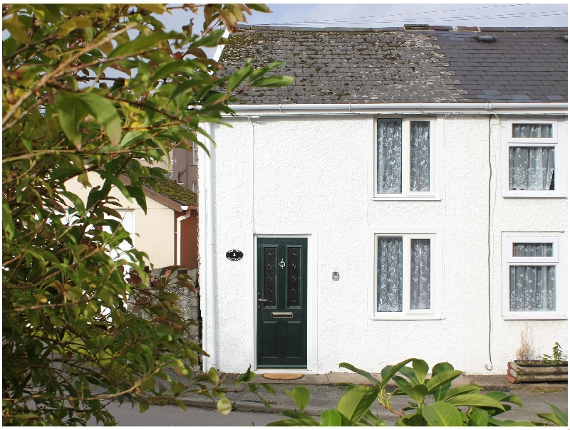 4 Oakfield Cottages a british holiday cottage for 3 in ,