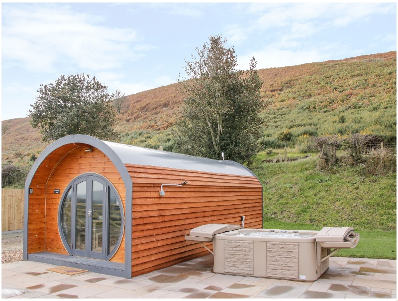 Corndon Pod a british holiday cottage for 2 in ,
