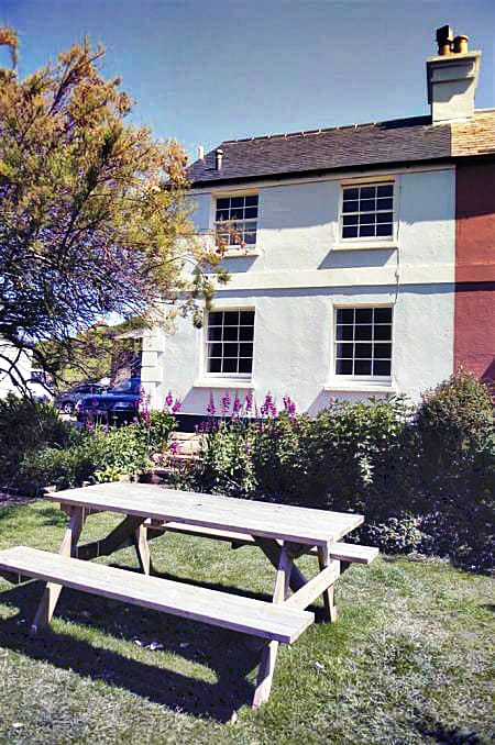 1 Coastguard Cottage a british holiday cottage for 6 in ,