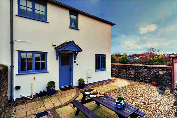 4 Pickwick Cottages a british holiday cottage for 5 in ,