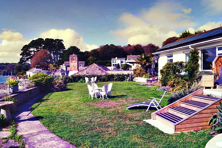 Demelza 2 a british holiday cottage for 4 in ,