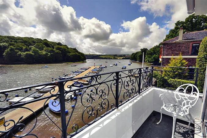 3 River View a british holiday cottage for 6 in ,