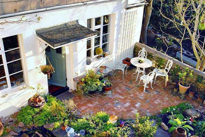 4 Ramparts Walk a british holiday cottage for 4 in ,