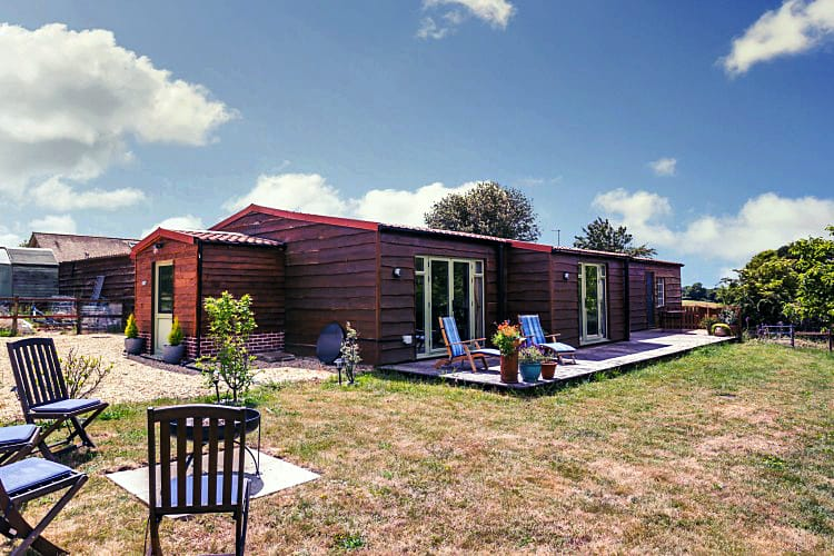 Walnut Barn a british holiday cottage for 4 in ,