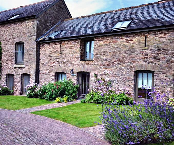 Bluebell Cottage a british holiday cottage for 4 in ,