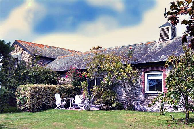 Court Barton Cottage No. 1 a british holiday cottage for 4 in ,