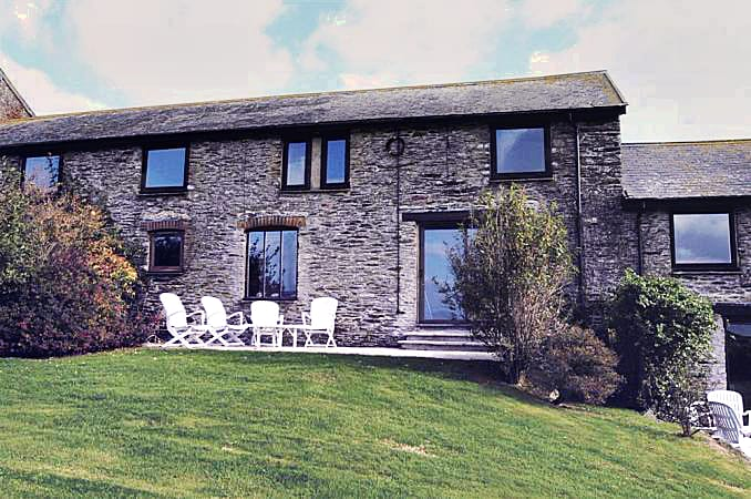Court Barton Cottage No. 6 a british holiday cottage for 8 in ,