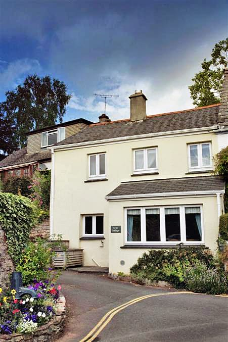 Crab Cottage a british holiday cottage for 4 in ,