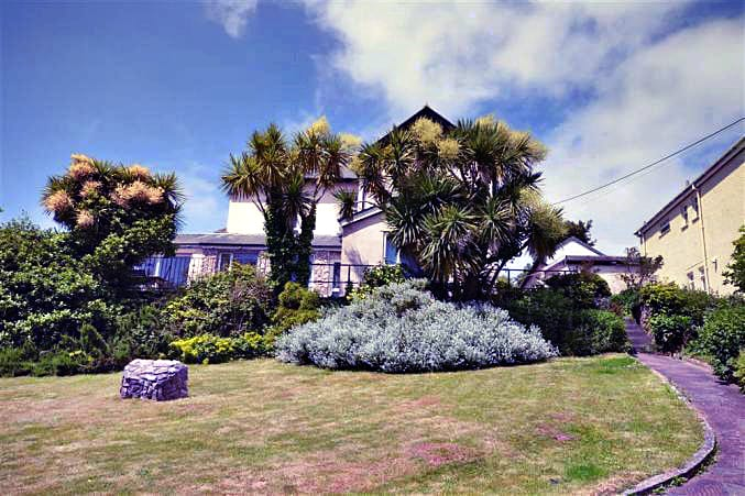 Fern Lodge Garden Apartment a british holiday cottage for 6 in ,
