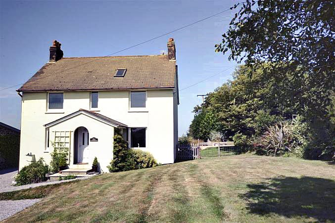 Foxenhole Farmhouse a british holiday cottage for 6 in ,