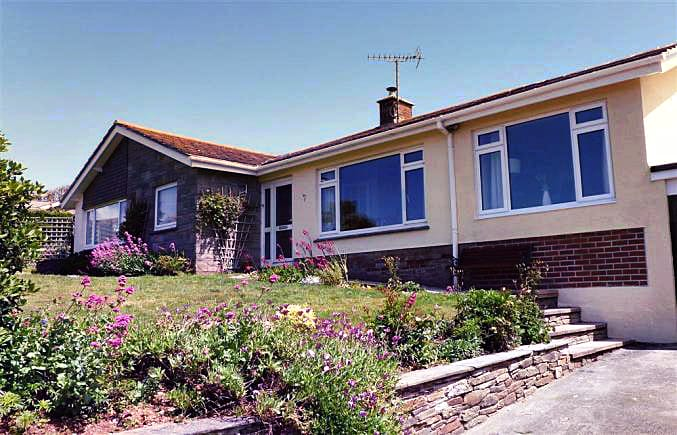 Bigbury View a british holiday cottage for 6 in ,