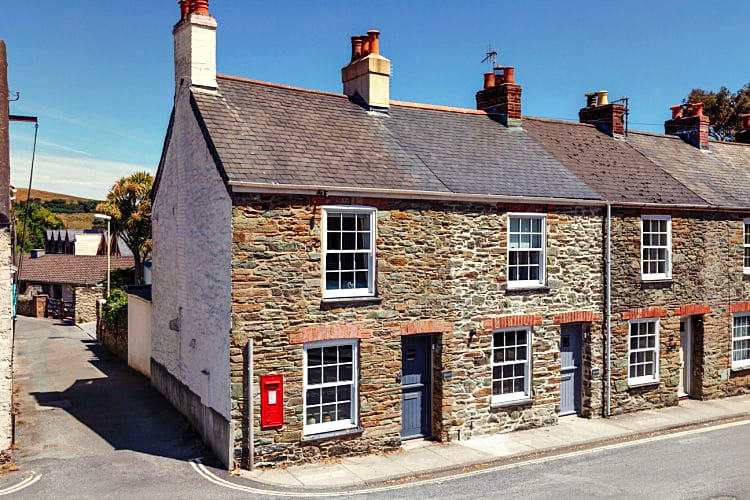 Cornerstone Cottage a british holiday cottage for 6 in ,