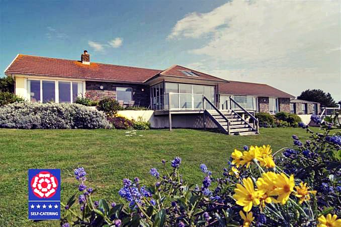 Langerstone a british holiday cottage for 9 in ,