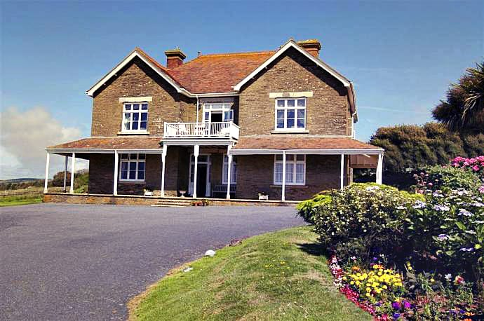 Lockslea House a british holiday cottage for 8 in ,