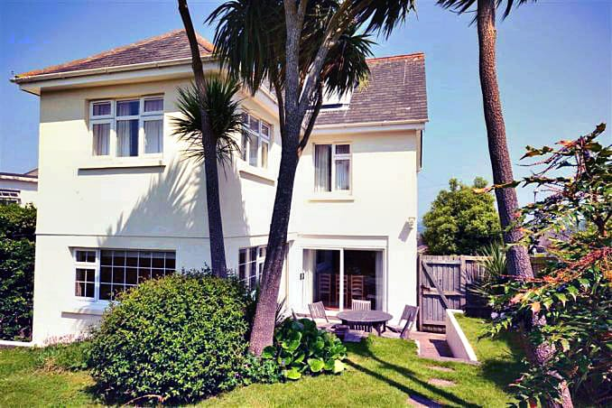 Marine Cottage a british holiday cottage for 8 in ,