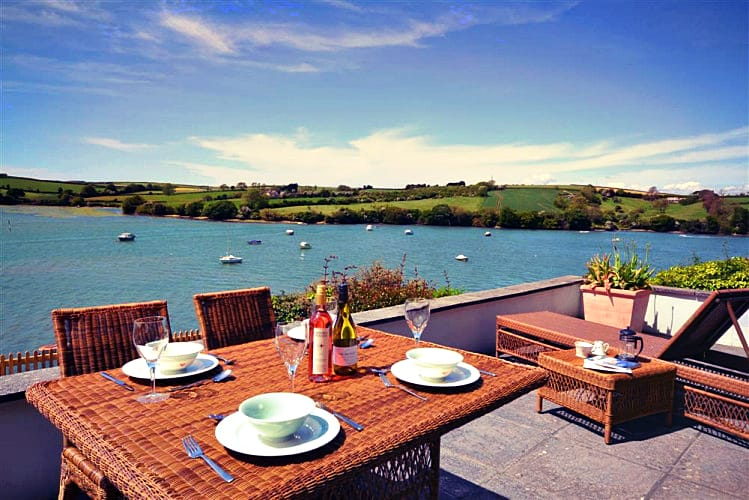 Cliff Crest a british holiday cottage for 6 in ,