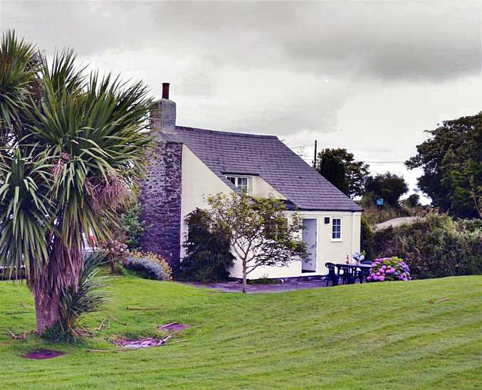 Trethenal Cottage a british holiday cottage for 2 in ,