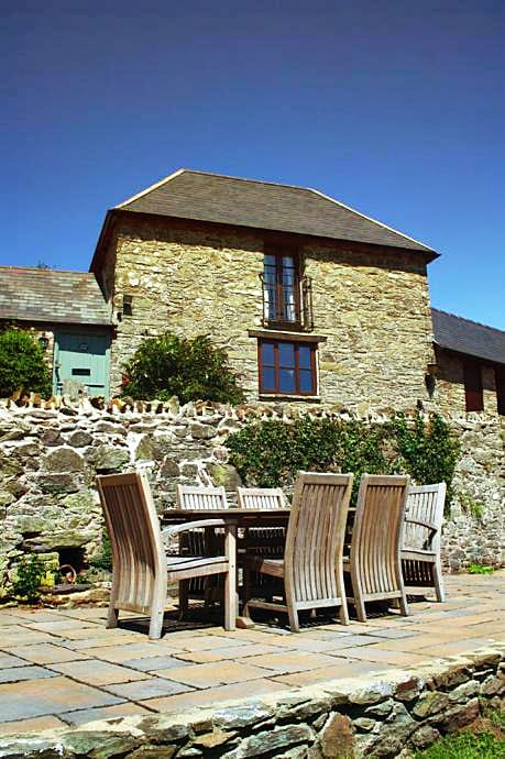Yeomans Cottage a british holiday cottage for 3 in ,